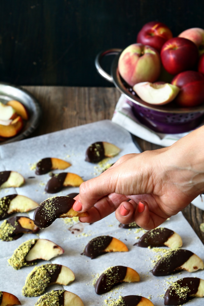 אפרסקים מצופים בשוקולד